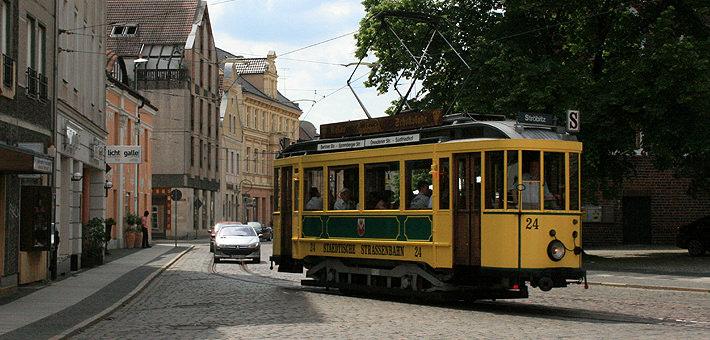 Historische Straßenbahn am Oberkirchplatz - Cottbuser Altstadtverein e.V.